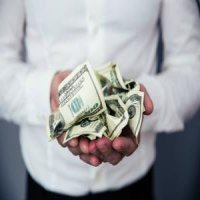 Sfaturi de economisire de la oameni care au stiut sa faca bani